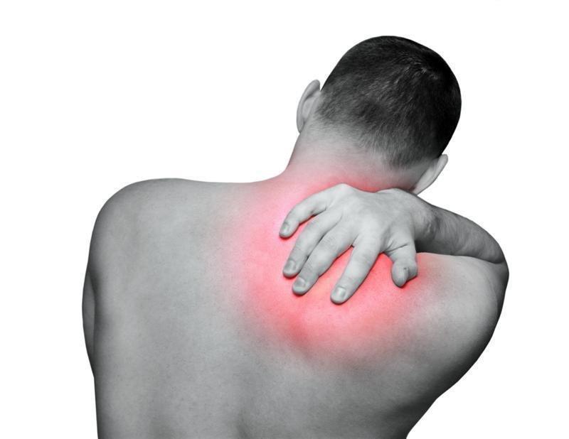Болит спина в области лопатки справа