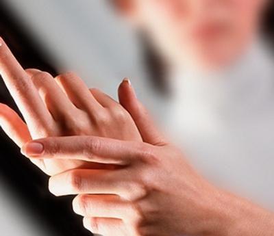 Онемение пальцев левой руки во время сна
