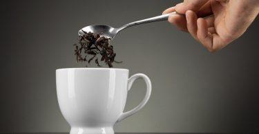 Чем полезен крепкий черный чай