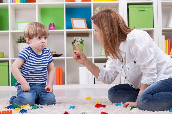 Как общаться с трудным ребенком