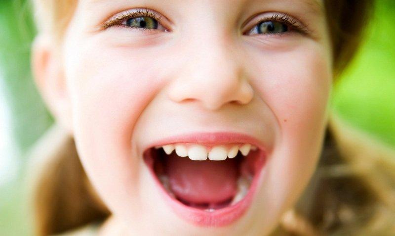 Причины плохого запаха изо рта ребенка