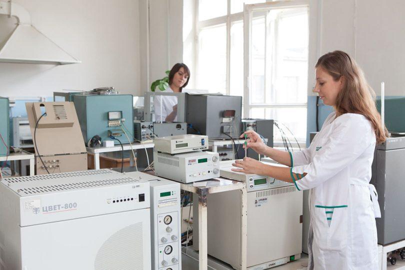Оснащение и обеспечение лаборатори